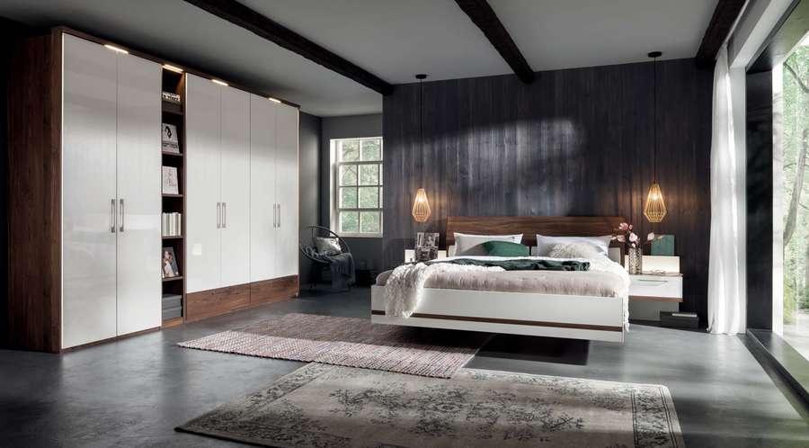 Schlafzimmer Drehtürenschrank
